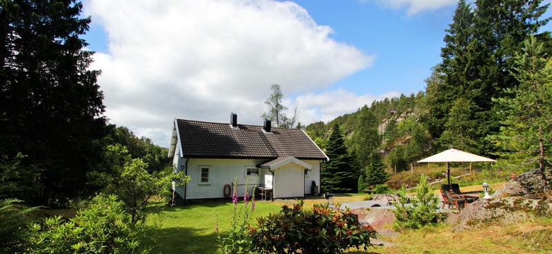 304 Feriehus Kvås i Lyngdal. Båt.